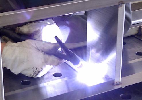 Kirrbach-GmbH_Die-Metallarchitekten_Metallverarbeitung_Krähne_Tragwerke_Schweissbaugruppen_Abkanten_Laserschneiden